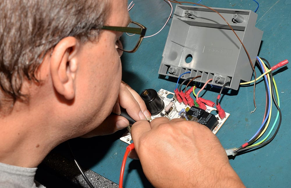 PCB repairs, detailed expert team ready to help, Greasley Electronic & Industrial Repairs, UK